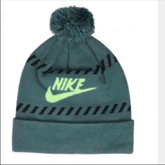 8c4e0722f86 New Nike green hat beanie with Pom